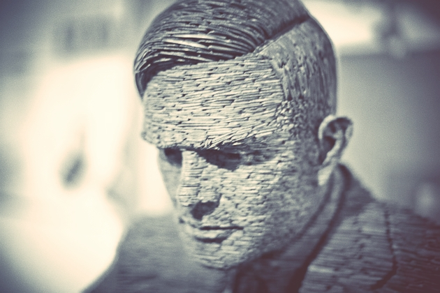 alan turing statue