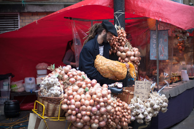 onion seller - brick lane