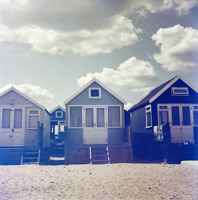 Blue beach huts - Lubitel 2 (redscale)