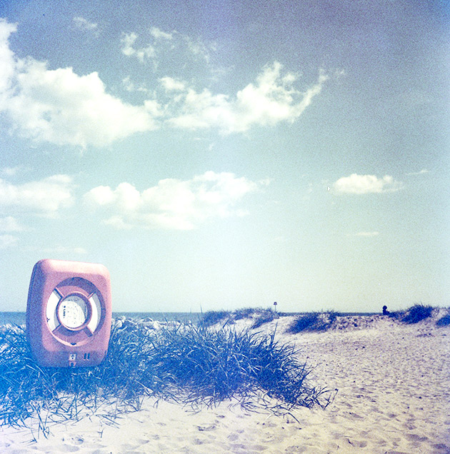 Beach - Lubitel 2 (redscale)